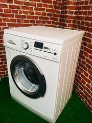 Eine Waschmaschine von Siemens E14