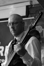 Bassist in München für Rock