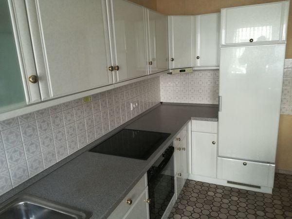 Küchen-Zeile Farbe Weiss mit Muster