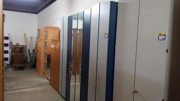 Kleiderschrank modern mit Falttüren 220x225x60