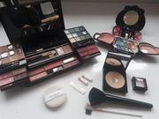 Kosmetik- und MakeUp-Artikel -paletten etc