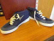 Biete Nike Skater Shuhe Sneaker