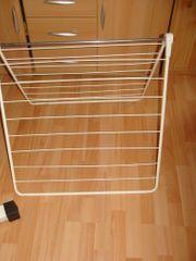 Badewannenwäscheständer zum einfachen Aufstellen auf