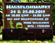 Hausflohmarkt Holzgegenstände alte Nähmaschine Waschmaschine