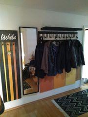 Garderobe mit Spiegel und Hutablage