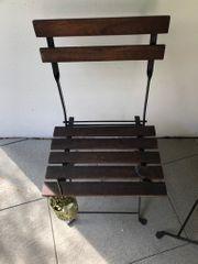 Bistrotisch und Stühle fuer Balkon -