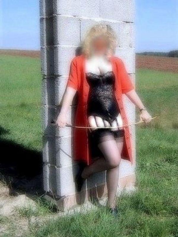 Elegante Lady mit dominanten Leidenschaften
