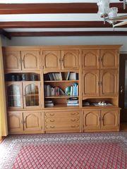 Wohnzimmerschrank Eiche rustikal zu verschenken