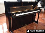 Yamaha Klavier Modell B2 PEC