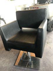 schwarze Friseur Stuhl