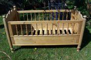 altes Holzbett Bett Kinderbett gedrechselt