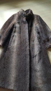 Alpaka-Mantel ungetragen
