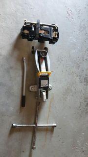 Rangierwagenheber Wagenheber und Kreuzschlüssel