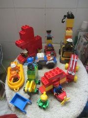 Duplo Bausteine Figuren und Fahrzeuge