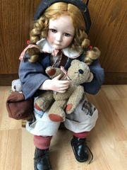 Verschenke Porzellan Puppe