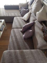 beschmutzte Couch für zB Musikproberaum