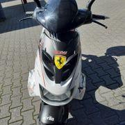 Fast neuer Motorroller Aprilla SR