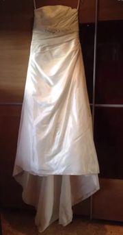Wunderschönes Brautkleid mit Schleppe Größe