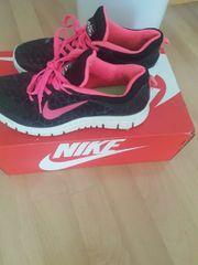 Neuw Nike sport Schuhe größe
