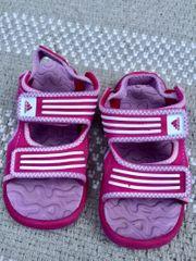 Mädchen Adidas Sandaletten 23