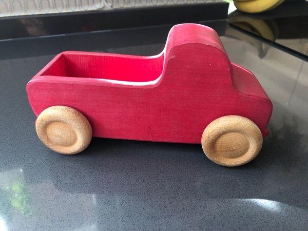 Holzlaster Rot