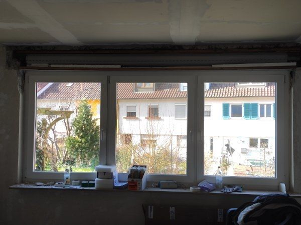 Fensterfront inklusive Rolladen