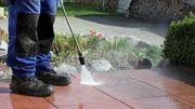 Garten arbeiten und Terrasse reinigen