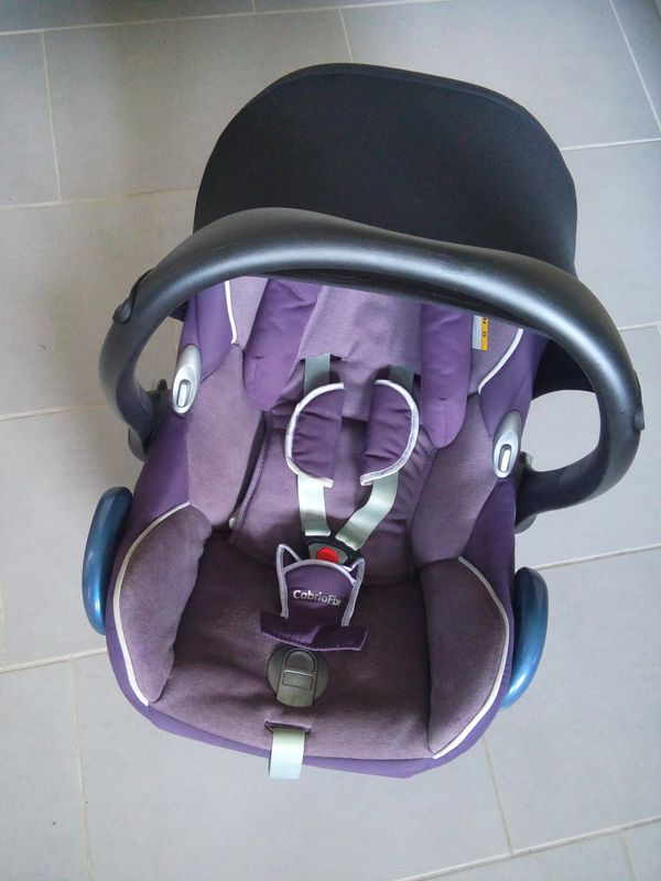 Babyschale Maxi Cosi Cabriofix Unfallfrei