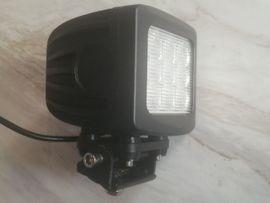 90 WATT CREE LED Arbeitsscheinwerfer: Kleinanzeigen aus Neuburg - Rubrik Nutzfahrzeug-Teile, Zubehör