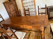 Walliser-Esstisch mit Stühlen aus dem