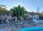 Haus mit Pool Gästehaus und