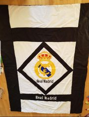 Tagesdecke mit Real Madrid Logo