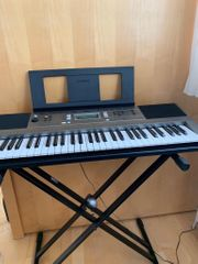 Yamaha Keyboard E 353