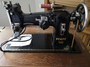 Alte Nähmaschine Pfaff 130 zu