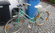 Fahrräder zum Herrichten