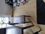 Wohnzimmertisch mit 4 stühlen und