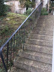 Treppengeländer aus Metall geschmiedet
