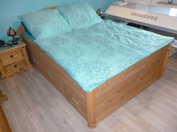 Landhausstil-Bett 140cm x 200cm mit