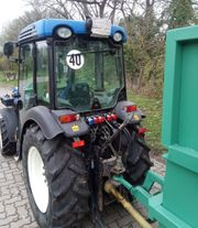 Weinbergsschlepper New Holland T 4030V