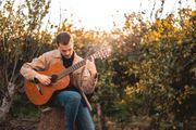 Gitarren und Basslehrer gesucht