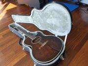 Gitarre Washburn mit Koffer