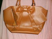 4 Damentaschen ideal für Flohmarkt