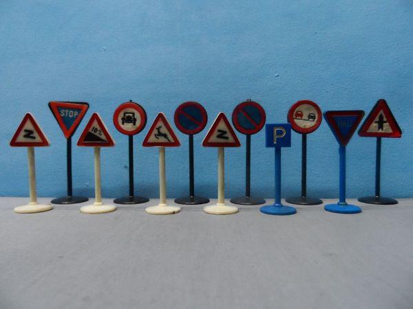 Konvolut alte Verkehrszeichen - Verkehrsschilder Wiking