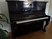 Antikes Klavier von Hermann Graf