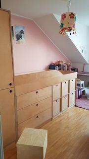 Kinderhochbett Raumwunderbett Kleiderschrank und Aufbewahrung