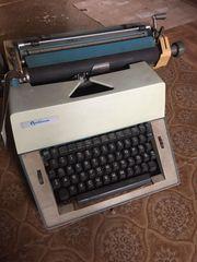 Verkaufe Büro-Schreibmaschine OPTIMA M16