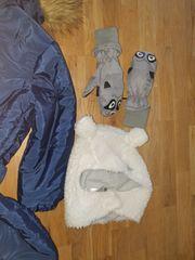 Schneeanzug Mütze und Handschuhe