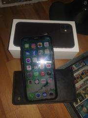 Iphone-11-64GB schwarz 1Jahr alt ohne