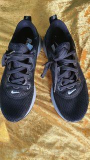 Sportschuh Nike Gr 39