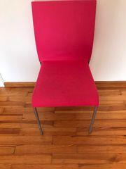 4 rosane Stühle zu Verkaufen